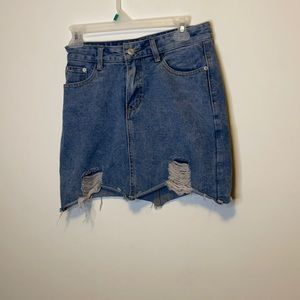 En screen Denim Distressed Skirt